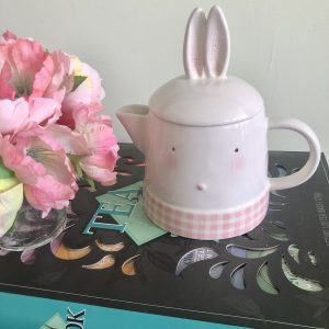 shy bunny tea pot